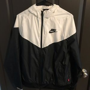 Black and white nike windbreaker zippup